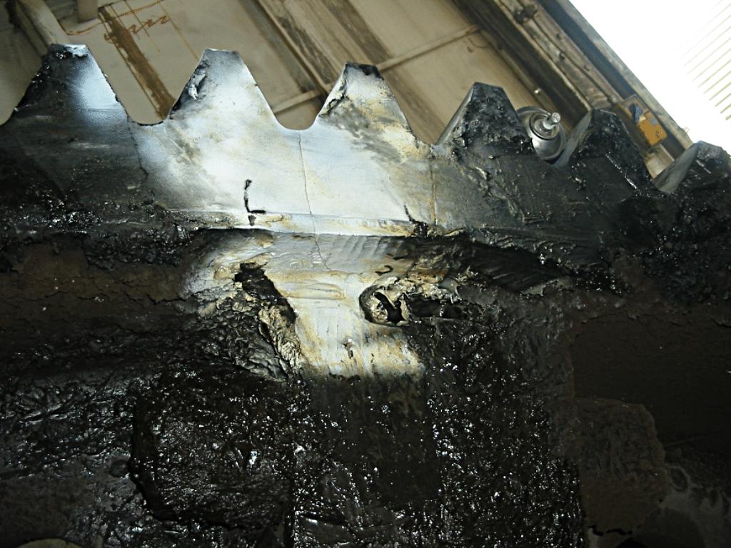 ведущая шестерня - трещина обнаружена вихревыми токами через смазку