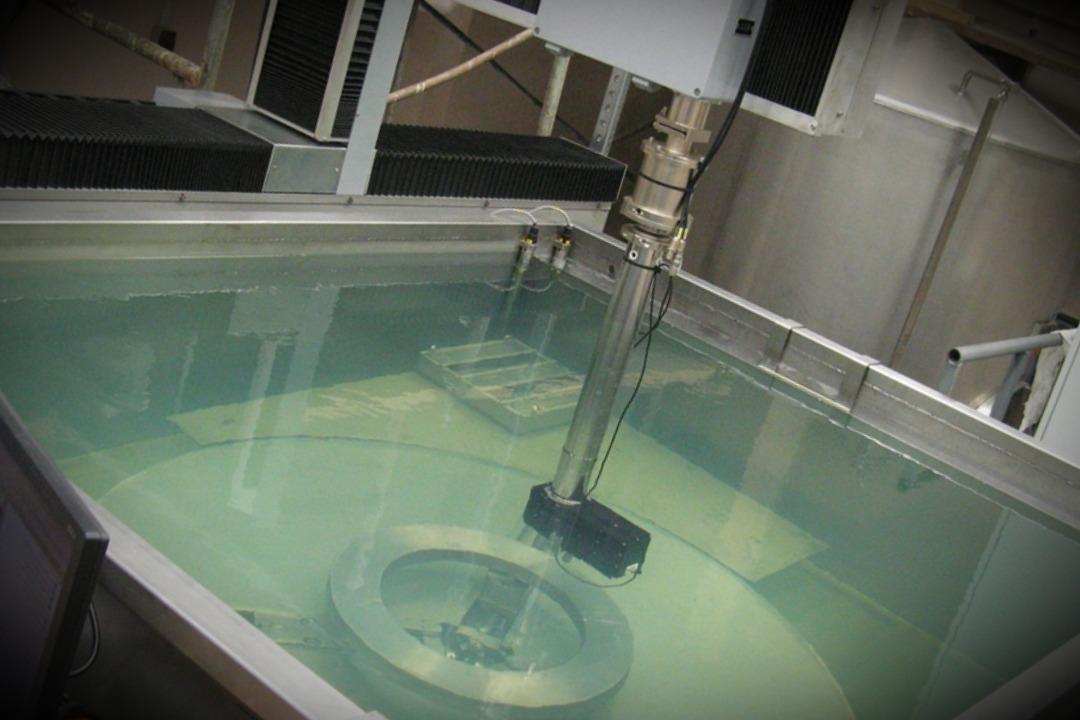 Иммерсионное ультразвуковое тестирование авиационного диска
