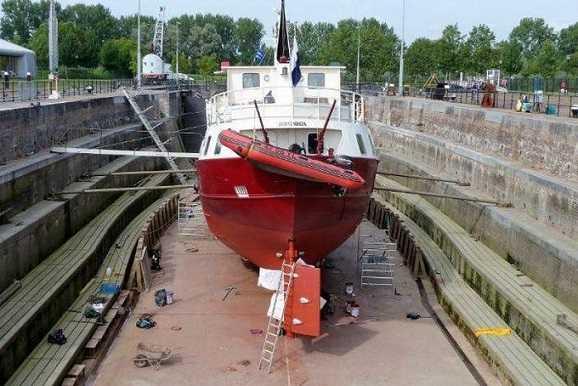 Ремонт кораблей палуба